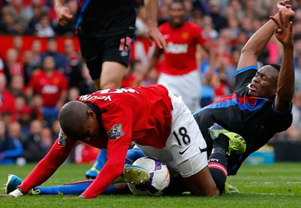 Manchester United Tampil Tanpa Ashley Young