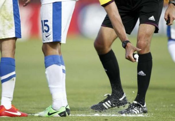 Pemakaian Semprotan Busa Akan Di Pertimbangkan Lagi Oleh Bundesliga