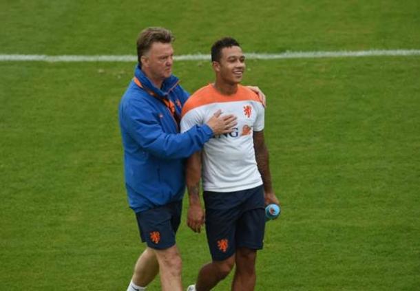 Memphis Depay : Louis Van Gaal Bujuk Saya Ke Manchester United