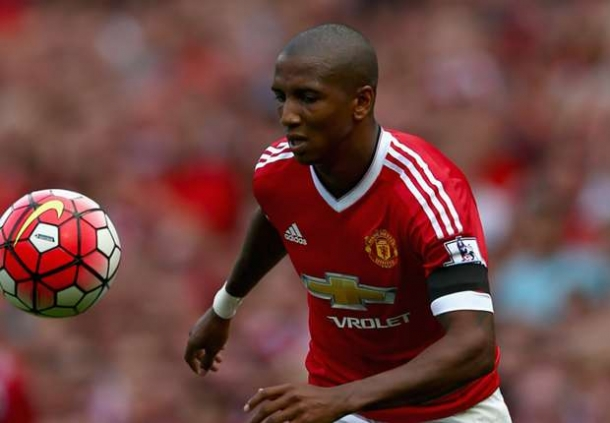 Ashley Young Tegaskan Manchester United Mesti Bangkit