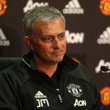 Mourinho Berniat Boyong Trofi Community Shield