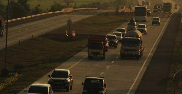 Banyak 15 Gerbang Tol Di Buka Untuk Pembayaran Kendaraan