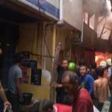 Kebakaran Di Dekat Pasar kebayoran Seorang Anak SD Jadi Korban tewas