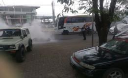 Akibat Bentrokan LSM 5 Unit Mobil Di Karawang Rusak
