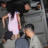 Razia Tempat Hiburan Malam Satpol PP Amanlkan 10 Wanita Di Padang