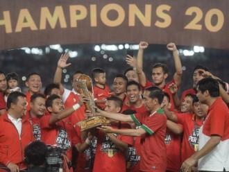 Legenda Indonesia Datang Saat Final Piala Presiden
