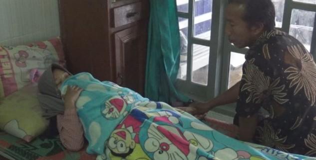 Terlambat Datang Ke Ekstra Kurikuler Serta Dapat Hukuman Squat Jump, Siswi SMA Di Mojokerto Mengalami Kaki Lumpuh