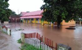 Banjir Meredam Rumah Warga Sudah Mulai Surut Di Bima